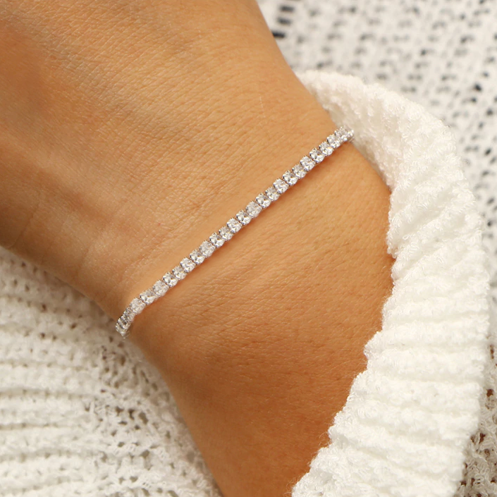 Stylish Silver Hand Bracelet For Ladies-NA8108