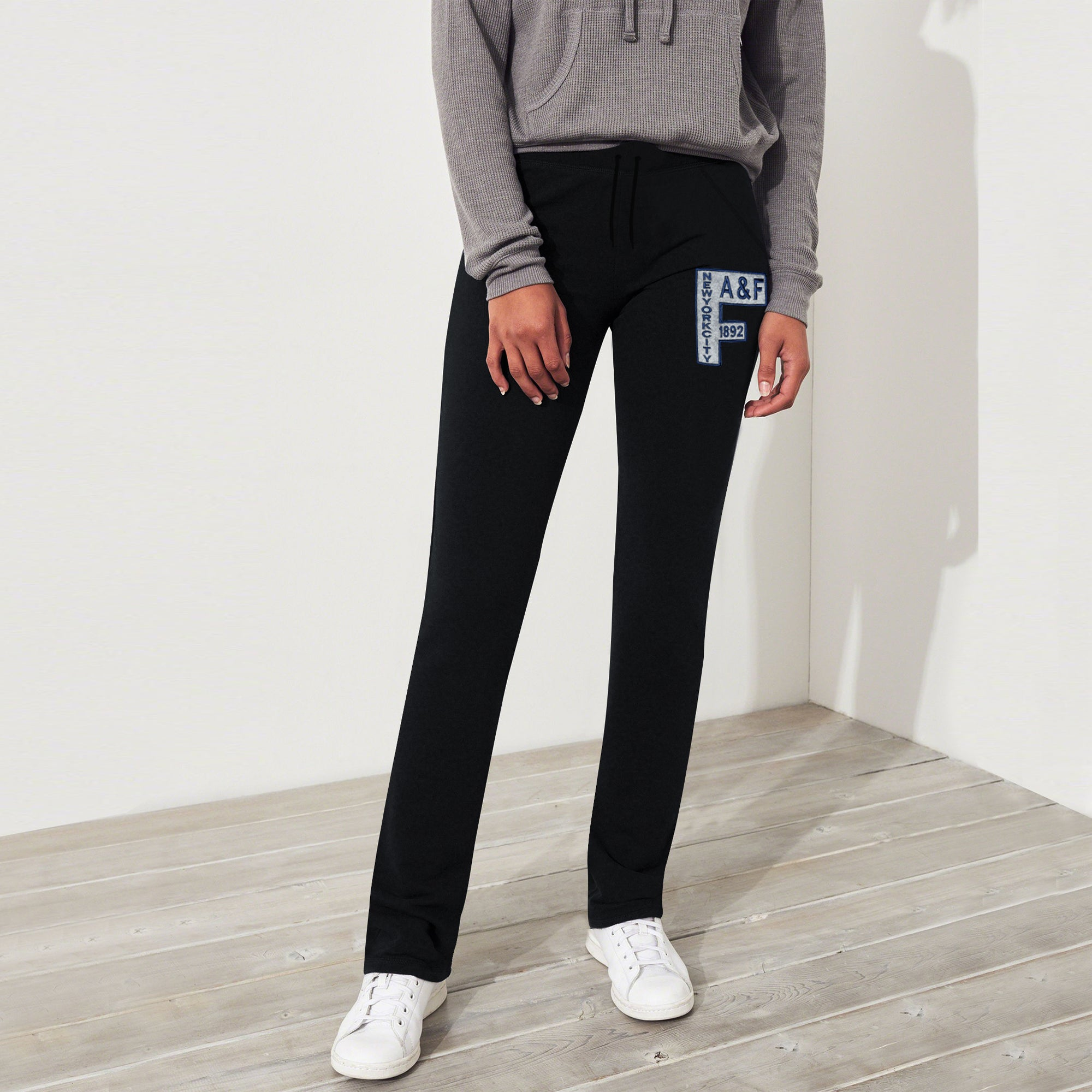 A&F Fleece Straight Fit Jogger Trouser For Ladies-Black-BE7514
