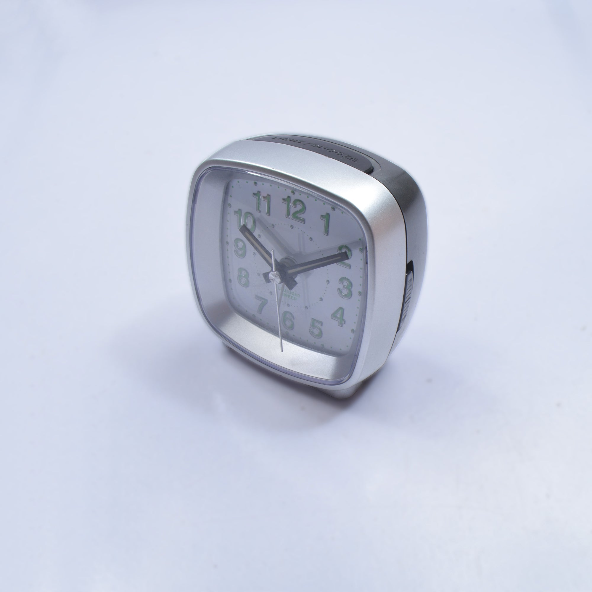 Quartz Led Light Sweep Alarm Clock-AN912