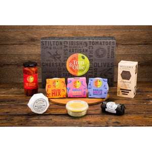 Load image into Gallery viewer, Tom & Ollie Mini Traditional Hamper