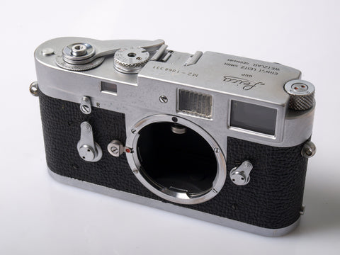 Leica M2 body w/ Quickload