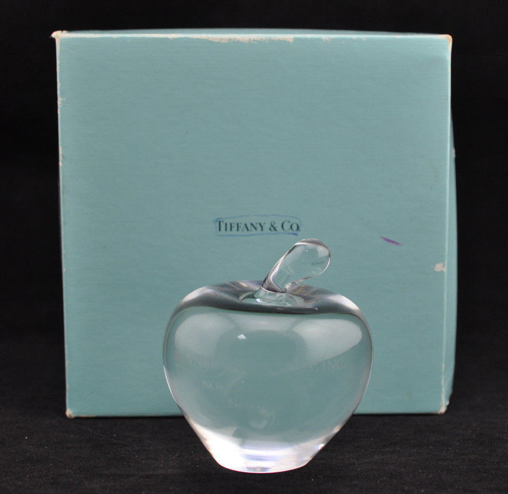 Beautiful Authentic Tiffany & Co Art Glass Crystal Apple Paperweight W/Box