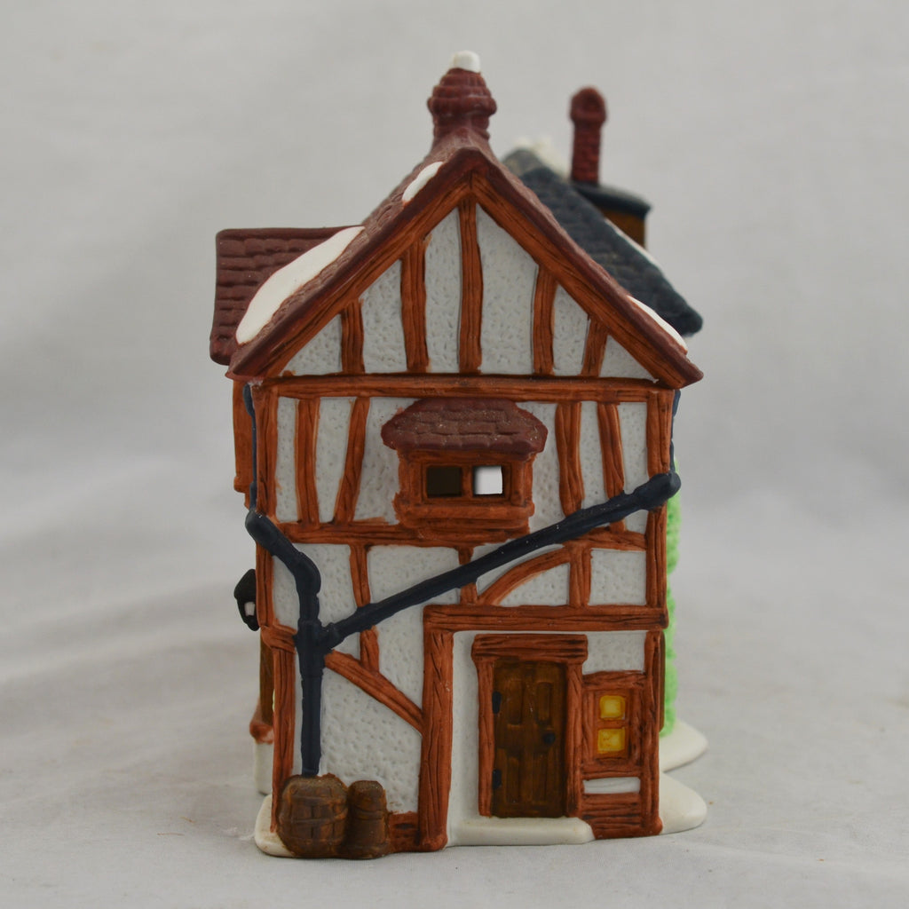Heritage Village Collection Dickens' Village Series Old Curiosity Shop 5905-6 Figure