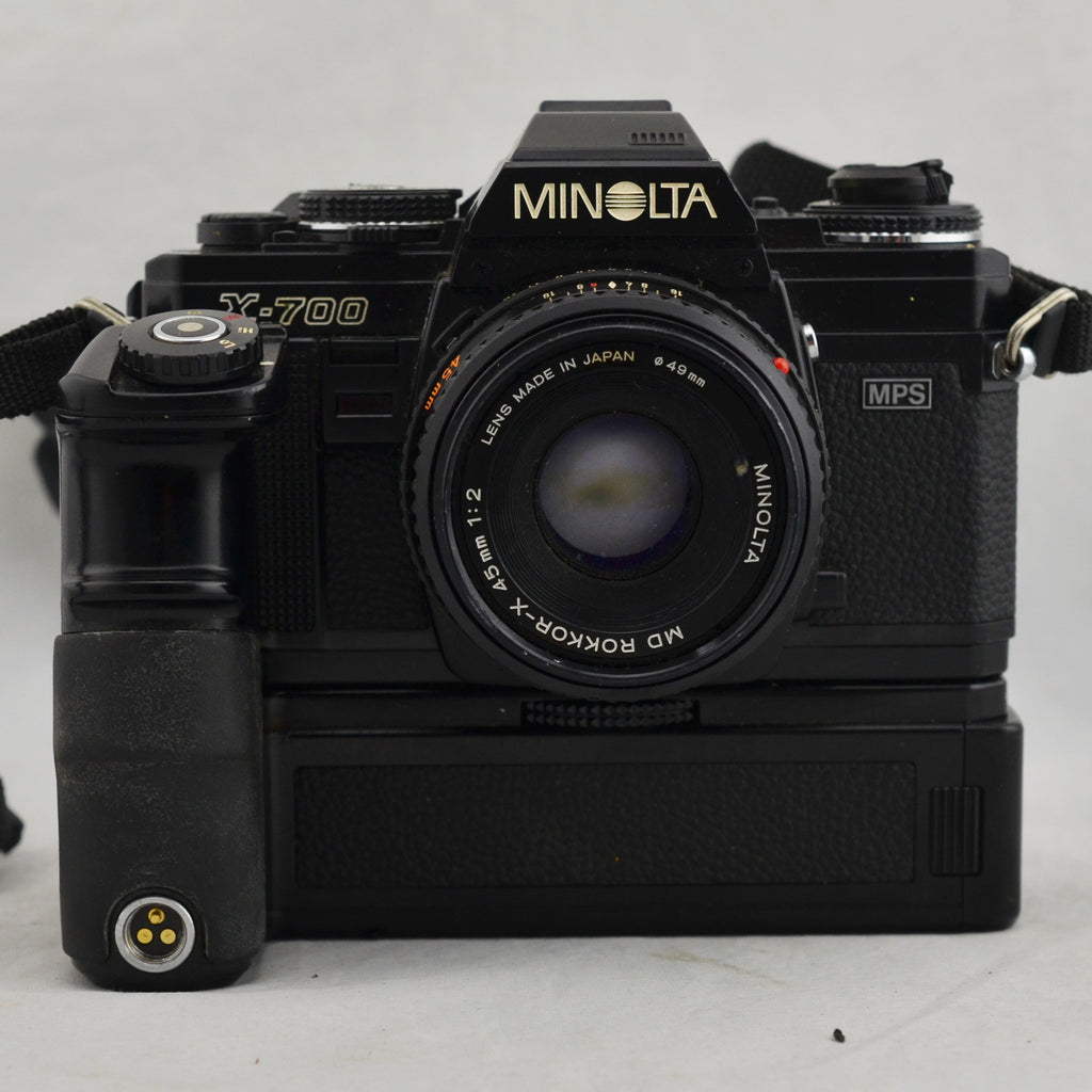 Minolta X-700 SLR 35mm Film Black Camera with Hard Metal Case and Accessories