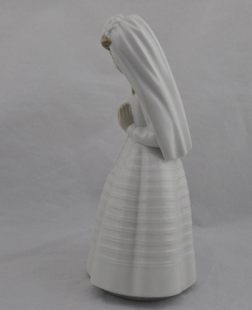 "Nao by Lladro 0236 First Communion Glossy Finish 9.5"" Porcelain Figurine"