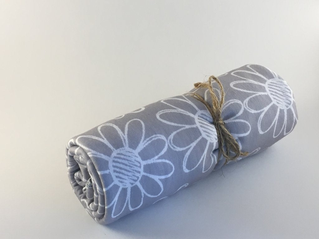 Little Buds. Co. - Breathable Stretchy Wraps - Grey Flower