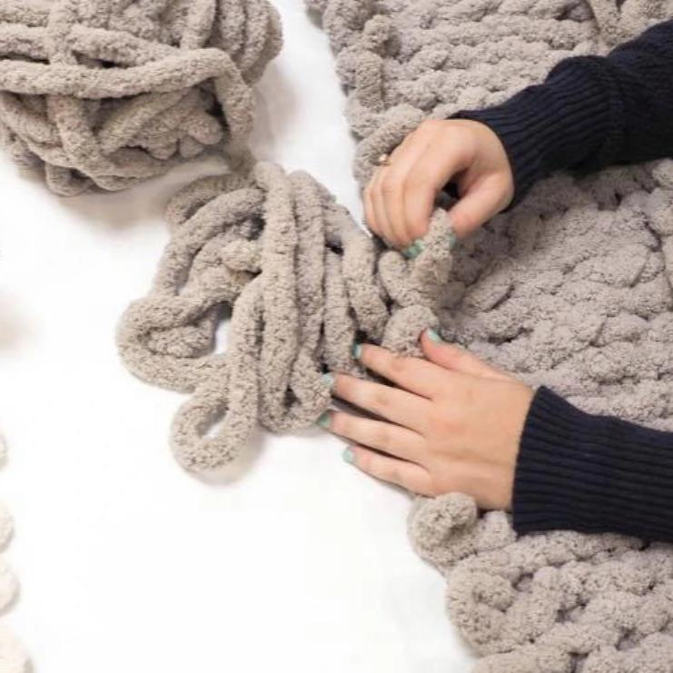 05/10 Needle Free Knitting Workshop: Chunky Chenille Blanket on Sunday May 10 at 1pm