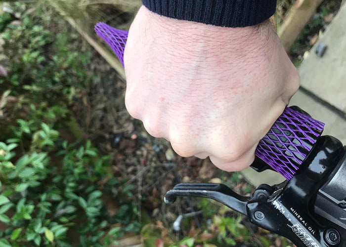 Mouldable Bike Grips to stop numb fingers review
