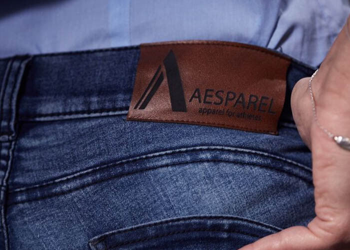 Aesparel denim logo jeans