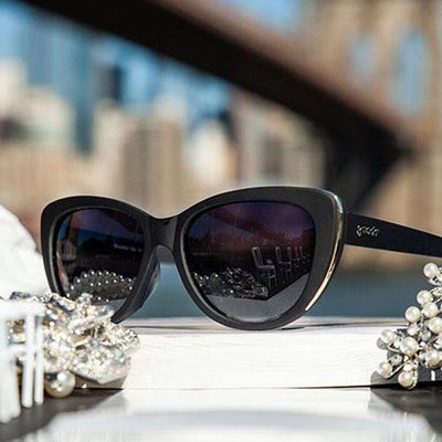 Goodr The Runways Sunglasses - Breakfast run to Tiffany's - Black Frame Gold Highlights
