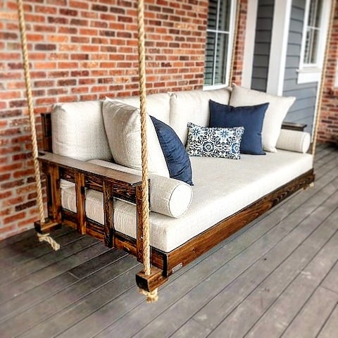 #bedsaremadeforswinging #fouroakbedswings #outdoorlivingspace #madeinamerica🇺🇸 #interiordesign #bestseatinthehouse