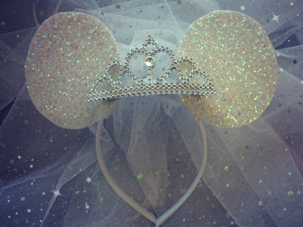 White Minnie Ears Veil with Tiara