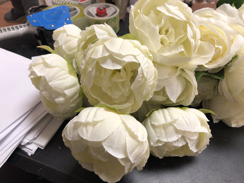 10 HEAD FABRIC ARTIFICIAL PEONIES PEONY BUNCH (IVORY) - Richview Glass Wedding Supplies