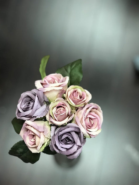 Rose bouquet 7 flowers/bunch (white & purple) -C93C9C23