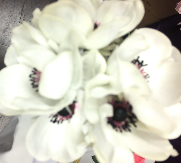 Artificial Anemone PU Material (5/bunch) Real Touch Flower SB199 (White) - 4E3D1E63 - Viva La Rosa