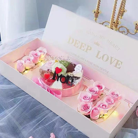 Deep love cardboard box Pink with oasis