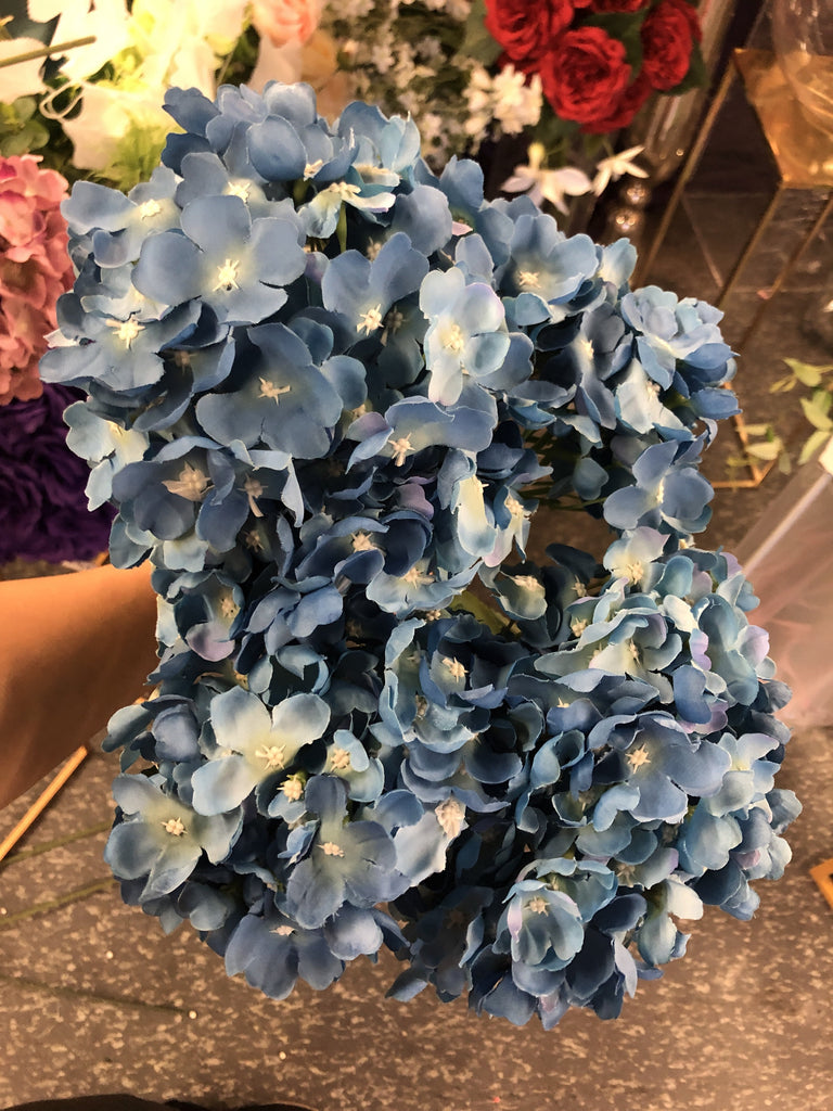 Two tone blue Hydrangea Bunch 6 head silk fall dolor