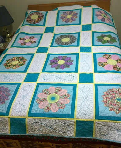 Flower Festival quilt with Leah Day Quilt Along Machine Quilting Block Party