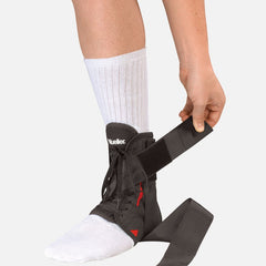 Mueller Soft Ankle Braces with Strap