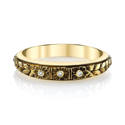 Three Flower Band in Yellow Gold