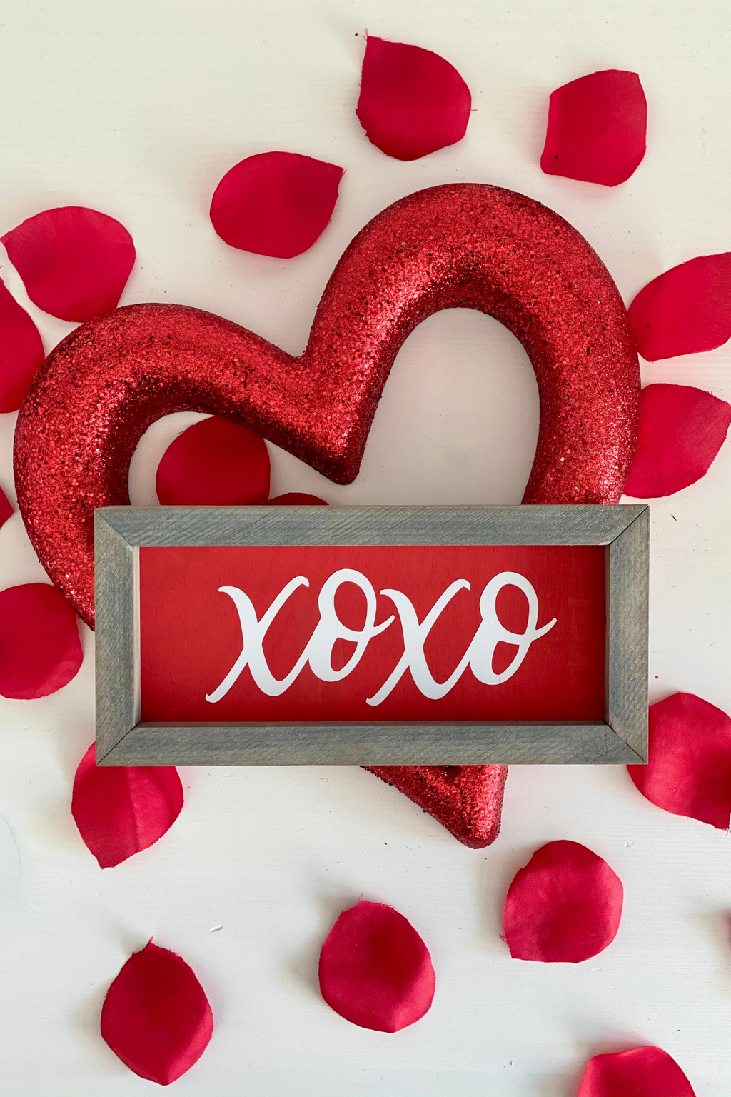 XOXO Valentine Box Sign
