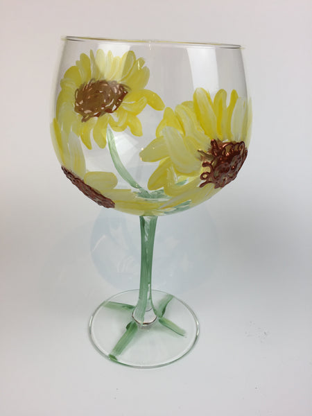 gin cocktail glass summer blossom