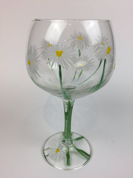 gin cocktail glass daisies
