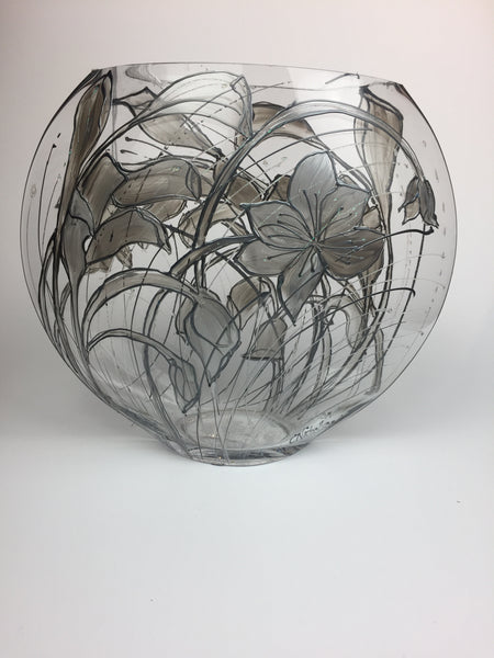 oval vase -large- silver lilies