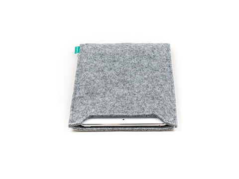 Simple light gray felt iPad sleeve for your iPad Air and iPad Mini - designed and handmade by Gopher