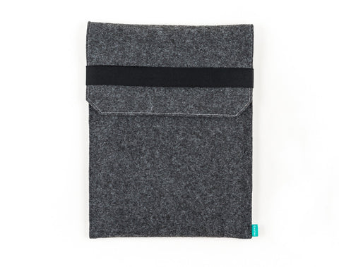Felt dark gray Kindle case / Kobo case with closing flap and elastic band - designed and handmade by Gopher