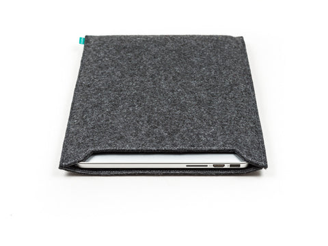 Dark gray felt Macbook sleeve / Macbook Pro sleeve / Macbook Air sleeve - designed and handmade by Gopher