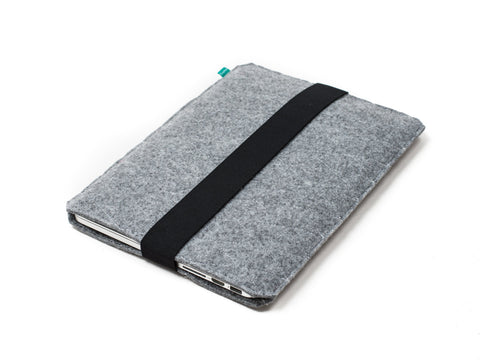 Light gray quilted felt Macbook sleeve with elastic strap for Macbook 2015, Macbook Pro and Macbook Air  - designed and handmade by Gopher