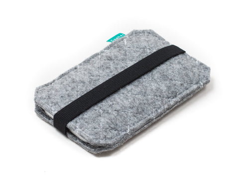 Light gray quilted felt case for Nexus 6p, Nexus 6, Nexus 5x, Nexus 5, Nexus 9 and Nexus 7 tablet and other Nexus devices - designed and handmade by Gopher