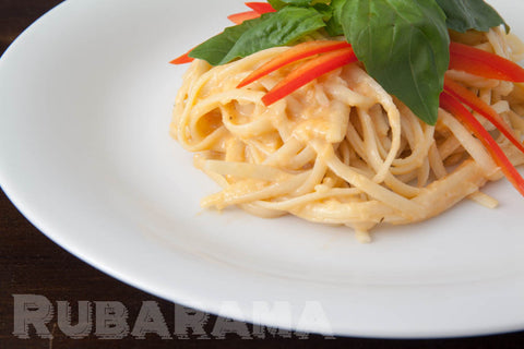 Three-cheese and red pepper creamy pasta