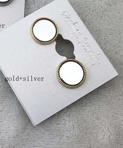 CLASSIC CIRCLE STUD EARRINGS