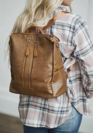 EVERYDAY ESSENTIAL BACKPACK