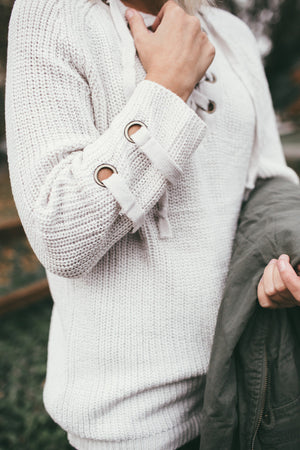 LACE-UP OVERSIZED SWEATER