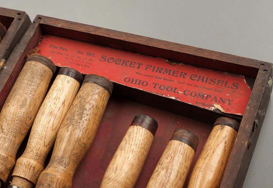 Clean Set of OHIO TOOL CO. No. 480 Socket Firmer Chisels in Original Wooden Display Case - 76198R