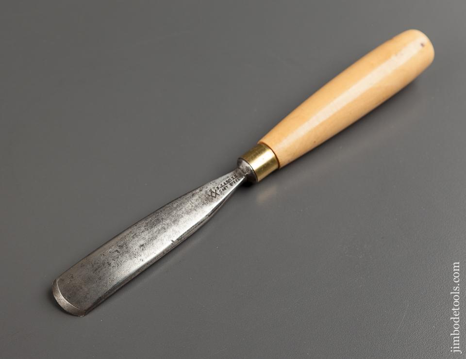 7/8 x 9 1/2 inch ADDIS No. 13 Boxwood Handled Gouge - 77440