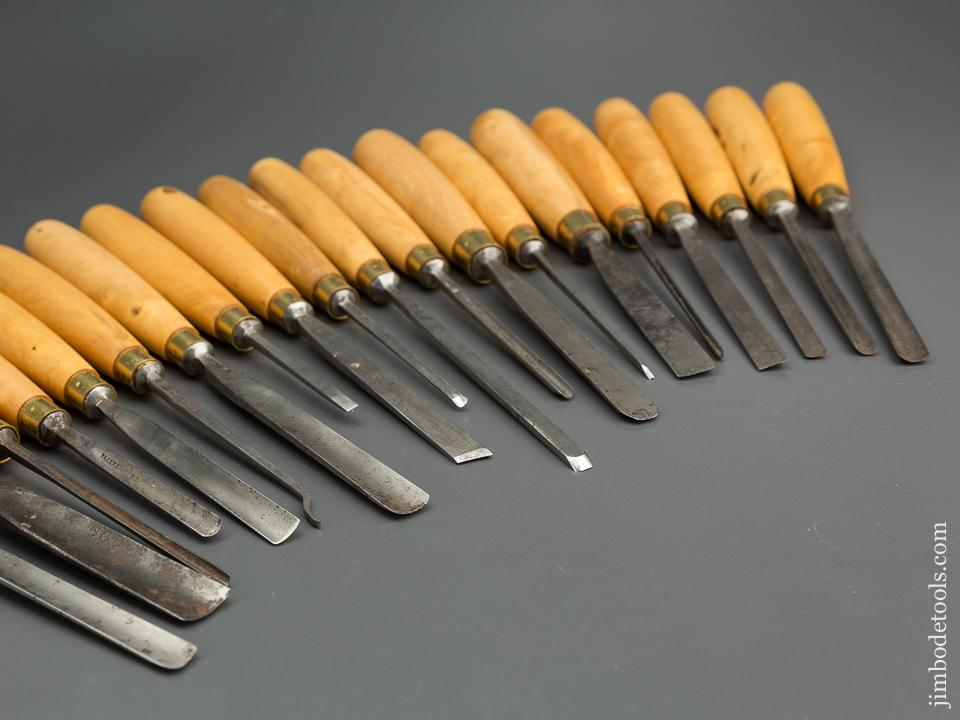 Twenty Clean ADDIS Carving Gouges with Boxwood Handles - 77459