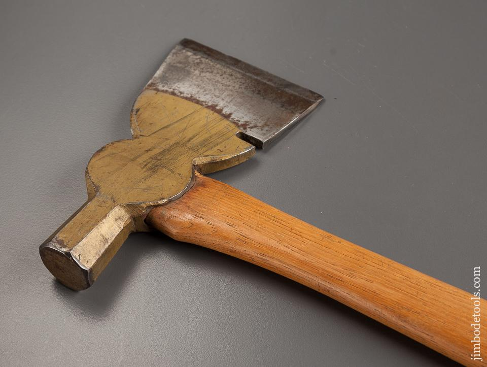 Awesome PLUMB Axe with Original Label and Paint!  NEAR MINT - 77855