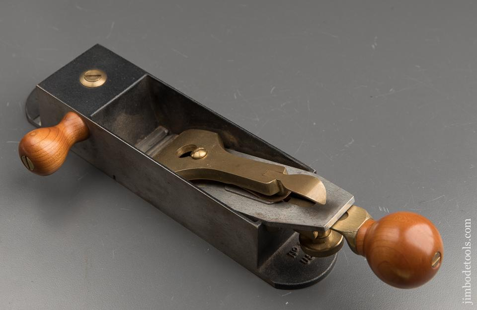 LIE-NIELSEN No. 9 Miter Plane with Side Handle - 90685