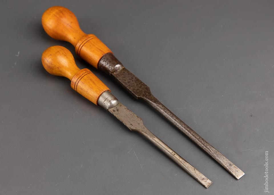 Pair of CLAY Screwdrivers - 92516