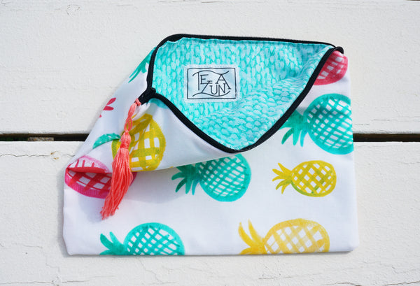 Pineapples Clutch