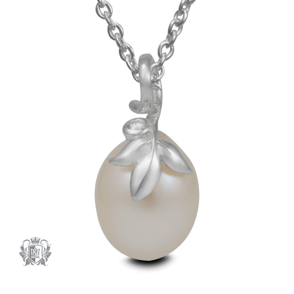 Sparkling Bloom Pearl Pendant - 18 inch chain Gemstone Pendants