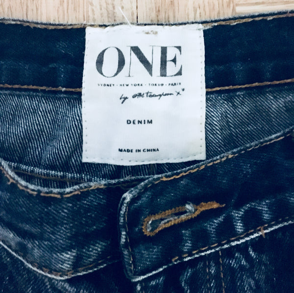 One by One Teaspoon. Awesome Baggies, Relaxed Fix, Boyfriend, Size 28, Designer Denim