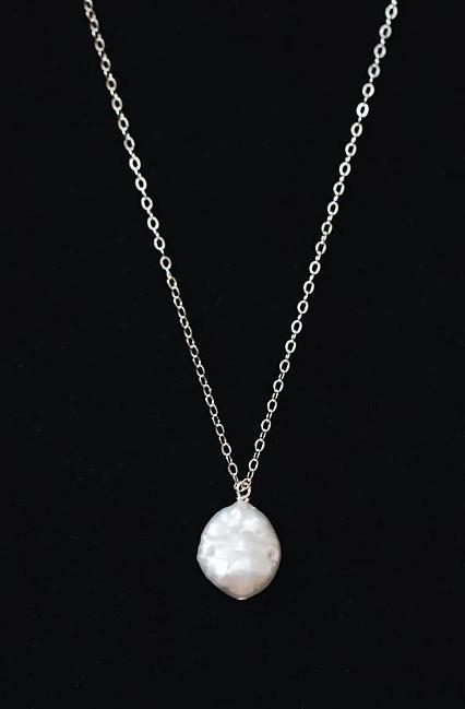 Pearl Pendant Necklace in Silver