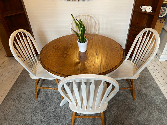 Fresh farmhouse dining set