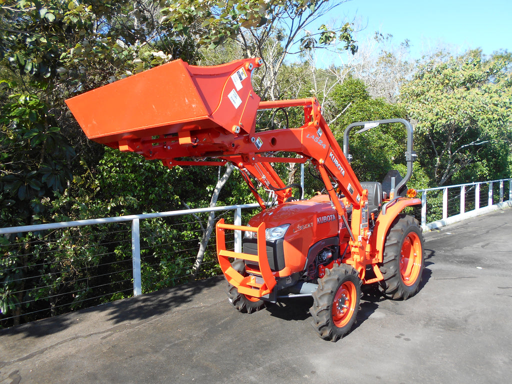 Kubota L3800HD & 4IN1 LOADER