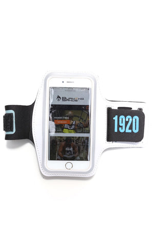 Road Tripper 1920 smartphone armband case, white